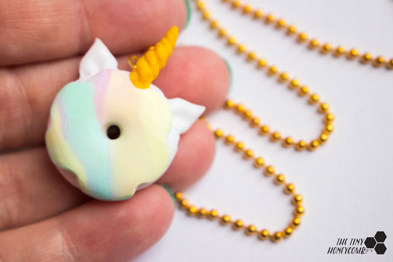 DIY unicorn jewelry. Easy step by step unicorn tutorial