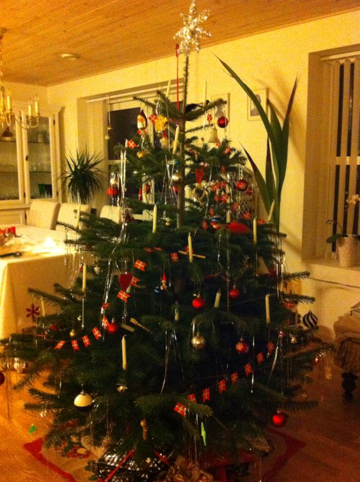 Traditional tree decor in our little home
