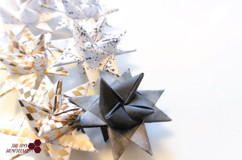 Cute and easy christmas decor with paper folded christmas stars. Moravian star tutorial